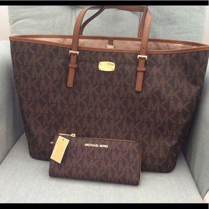 New$500 tags set Michael kors wallet+tote Mk larga